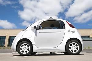 Voiture Autonome Google : fiat chrysler et google lanceraient un monospace autonome cette ann e macgeneration ~ Maxctalentgroup.com Avis de Voitures