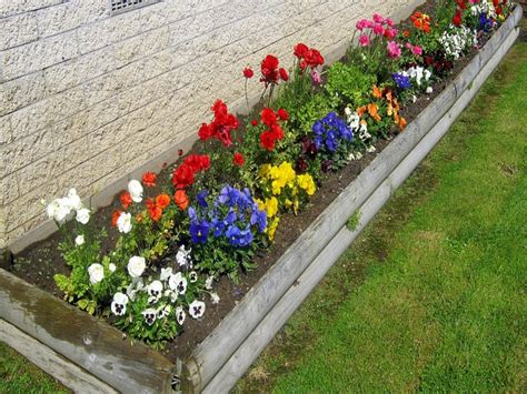 small garden flower beds flower bed ideas small excellent idea garden brilliant home wallpaper designs for front of house