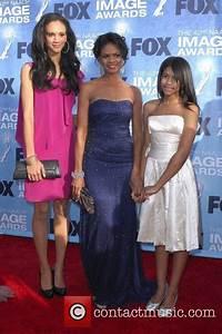 Kimberly Elise - 42nd NAACP Image Awards at The Shrine ...