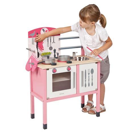 cuisine pour enfants en bois maxi cuisine mademoiselle janod cuisine enfant en bois