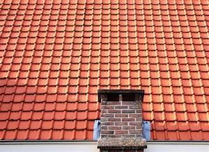 Ziegel Kosten M2 : kosten f r dachziegel berblick ber material und montage ~ Lizthompson.info Haus und Dekorationen