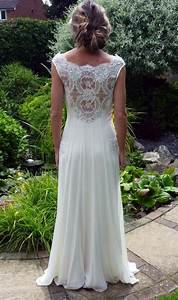 select destination wedding dress to look perfect on the With destination wedding dress