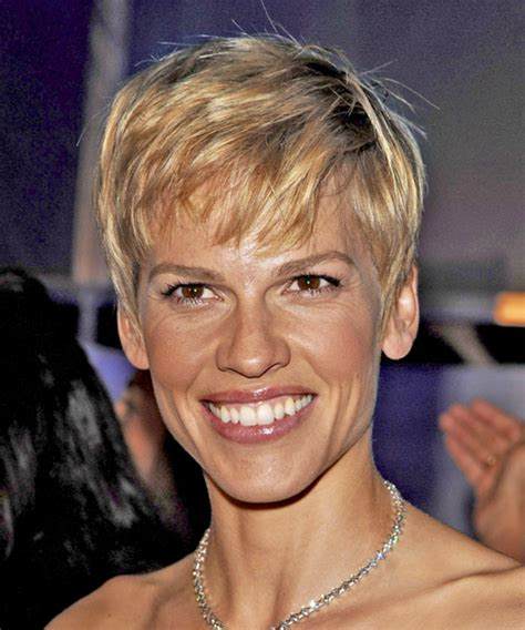 hilary swank short straight hairstyle