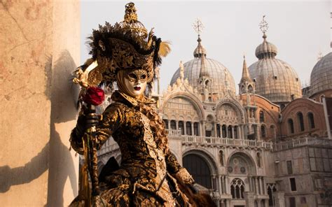 venedig zaehlt beim karneval touristen htrch