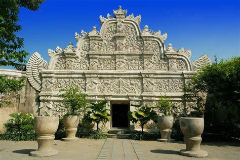 taman sari yogyakarta water castle places  interest