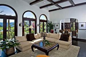 Pictures of Justin Bieber's new house in Calabasas!