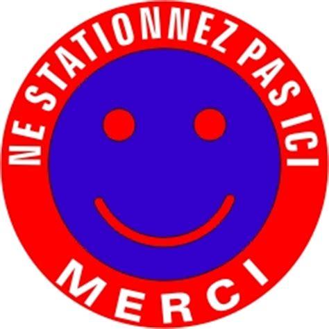 magasin deco cuisine panneau de stationnement interdit modèle smiley
