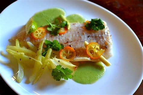 cuisine papillote papillote de poisson à la citronnelle et aux agrumes
