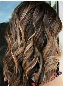 Balayage Cheveux Frisés : soft creamy balayage on brown hair cheveux pinterest cheveux couleur cheveux et coiffure ~ Farleysfitness.com Idées de Décoration