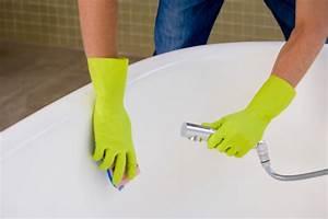 How to clean an enamel bathtub cleanipedia for How to clean bathroom tub