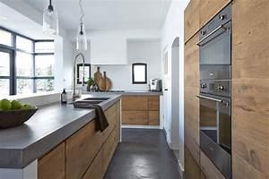 100 idee di cucine moderne con legno colori idee e for Cucine su pavimento legno