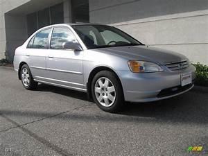Honda Civic 2002 : 2002 satin silver metallic honda civic ex sedan 19886337 car color galleries ~ Dallasstarsshop.com Idées de Décoration
