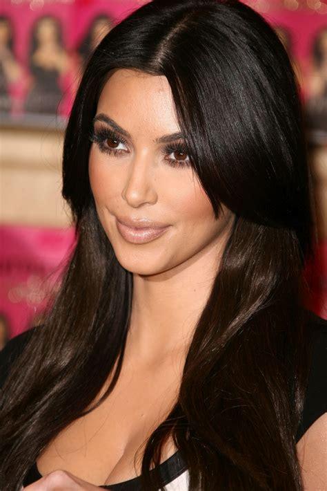 Hollywood Actress Kim Kardashian Has A Nice Photo Cleavage