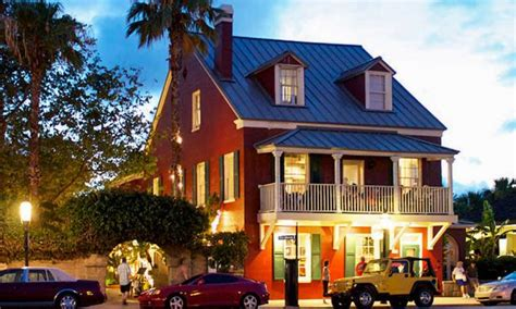 Red lobster is known as the foremost expert in fresh seafood. Harry's Seafood Bar & Grille   Visit St Augustine
