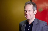 Who is Tom Hollander? Wiki: Girlfriend, Salary, Son, Baby ...