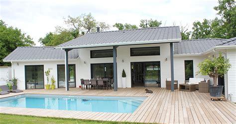 maison en bois vendee un air de loft pour une maison bois pr 232 s de bordeaux la maison bois par maisons bois