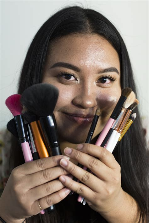 student transforms peers  bright unique makeup  daily bruin
