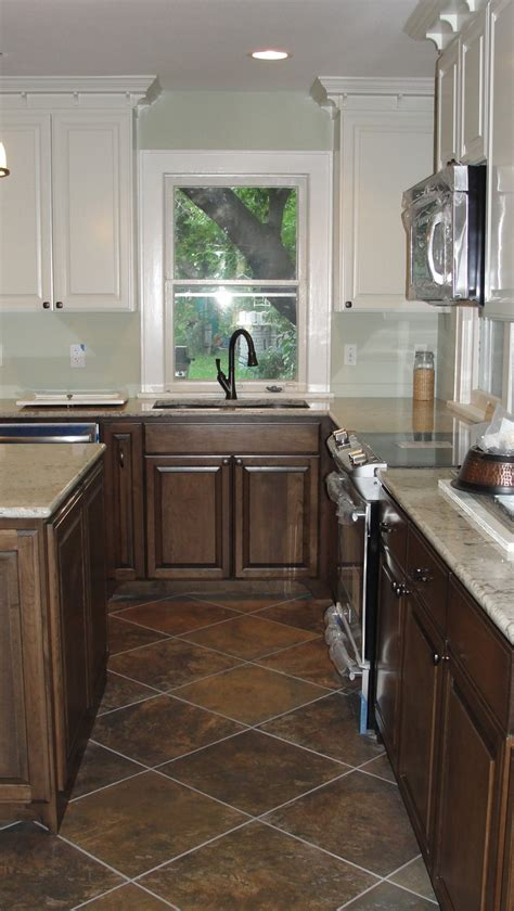 kitchen cabinet makeovers 264 best updating cabinets color and soffit images on 2605