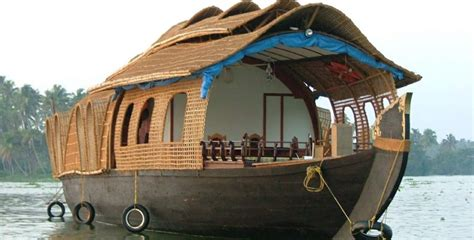 Munnar Boat House Price by 2 Ni 3 Days Alleppy Houseboat Package