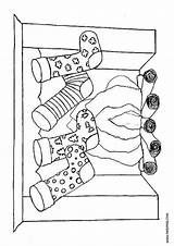 Coloring Christmas Pages Stockings Chimney Chimneys Santa Ornaments Traditional Gingerbread Hellokids sketch template