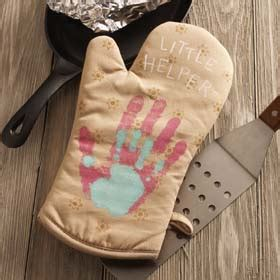 diy mothers day gift  kids handprint oven mitts