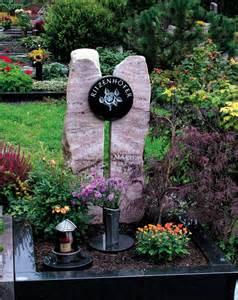 Grabsteine Preise Einzelgrab : grabmale str sser grabsteine urnengrab doppelgrab einzelgrab stele urnengr ber urnengrab ~ Frokenaadalensverden.com Haus und Dekorationen