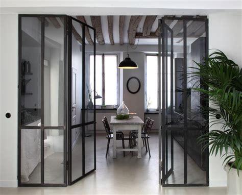 separation en verre cuisine salon ensemble en acier cloison acier et verre entre cuisine