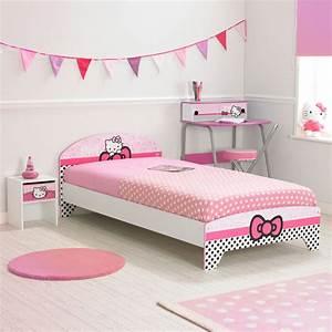 Chambre Hello Kitty : la maison de valerie lit 90 x 190 cm hello kitty prix 125 99 euros la maison de valerie ~ Voncanada.com Idées de Décoration