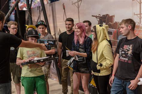 morlock motors t shirt ein echtes crossout fahrzeug auf der gamescom 2016 neuigkeiten crossout