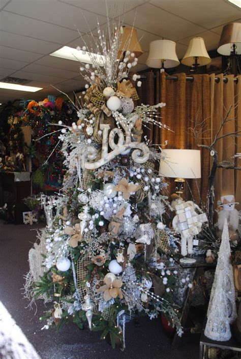 White Tree Decoration Ideas - the most colorful and sweet trees and