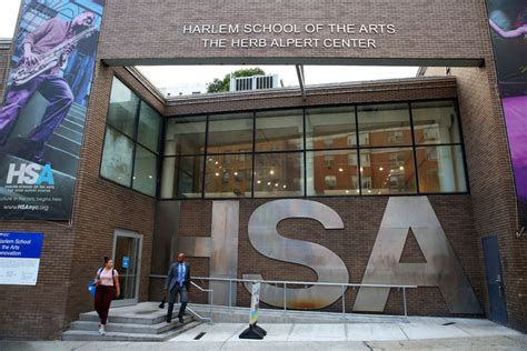 harlem school   arts  shuttered   debt