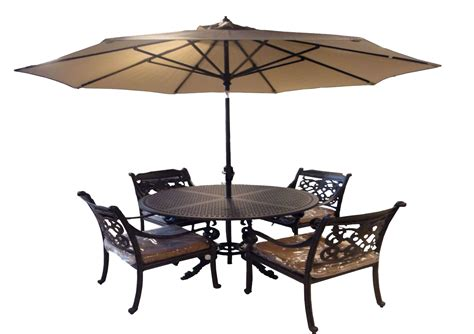 Garden Table And Chairs With Umbrella by Garden Table And Chairs With Umbrella Brujeriadelcerco Info