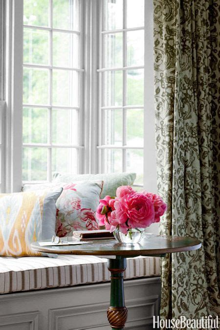 Cape Style Home Decorated Classic Color And Pattern by 88 Best Window Seat Images On Living Room