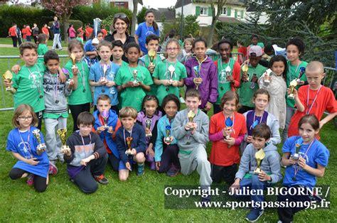 950 participants au cross des écoles de Saint-Brice