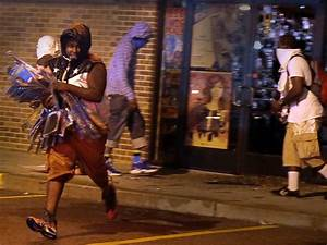Police Face Off With Protesters as Night Falls in Ferguson ...
