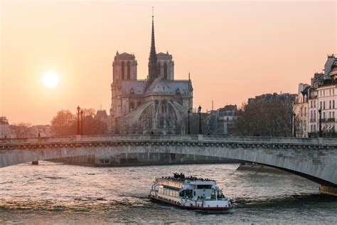 Boat Tour Seine River Paris by Best Boat Tours Of Paris Cruises On The Seine River