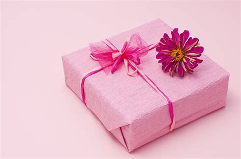 Gift Wrapping Ideas What You Need To Spice Up Your