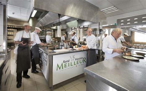 la cuisine d découvrir la vie en cuisine d 39 un restaurant triplement étoilé