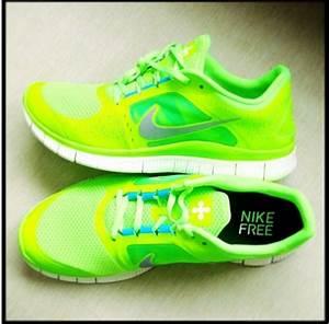 These exact neon green Nike running trainers - love! (Nike ...