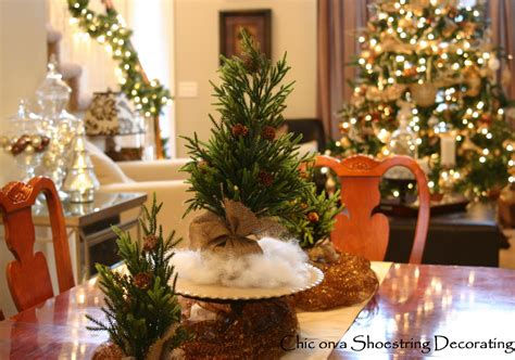 Dining Room Set Examples With Christmas Centerpieces For Your Inspirations