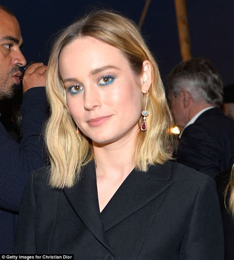 brie larson eyes how to wear blue eye make up like a celebrity daily mail