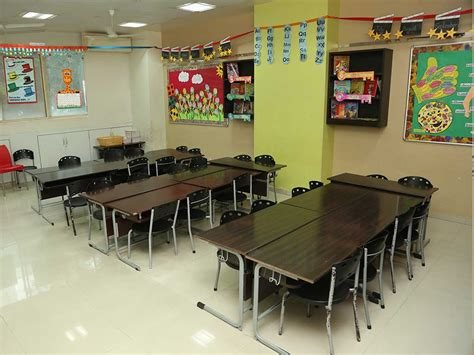 school classroom oshiwara jbcn international school