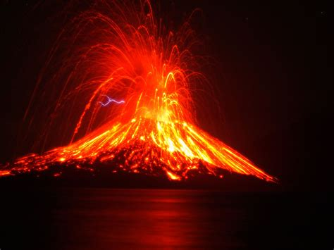 Volcano Images What Is A Volcano Definition Of Volcano Dk Find Out