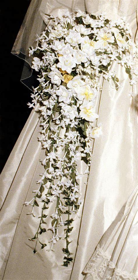 princess dianas wedding dress      iconic