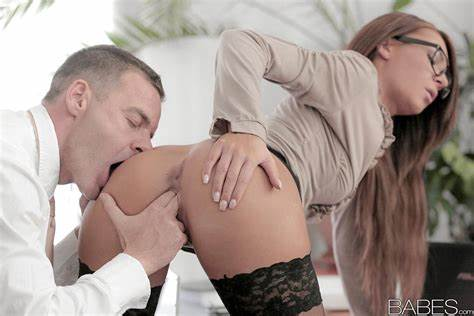 Nailed Her Right In The Gash Stocking And Smoking Adorned Alexis Brill Making Haired