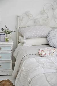 Chambre Shabby Chic : chambre blanche en 65 super id es de meubles et d coration shabby chic romantique chambre ~ Preciouscoupons.com Idées de Décoration