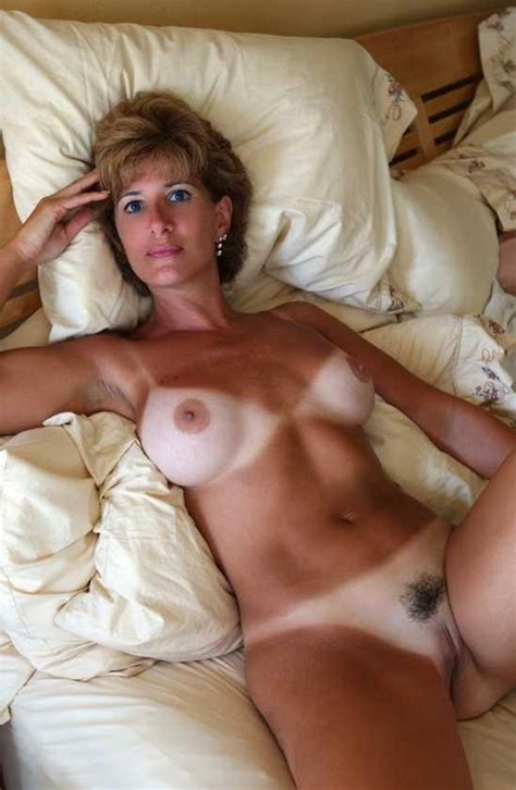 Amature Big Tit Milf Tan Lines