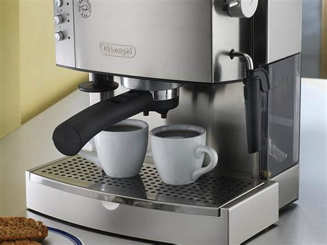Single serve coffee makers are also relatively more affordable when compared to the larger espresso machines, and they are generally easier to clean and maintain. Best Espresso Machine Under $200: At-Home Coffee Makers to Save Money   SPY