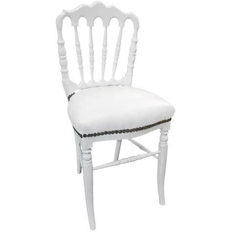 chaise simili cuir blanc chaise de style napoléon iii simili cuir blanc et bois blanc