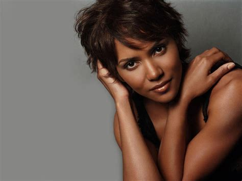 Halle Berry Hairstyles Pictures